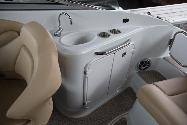 l_cockpit-wet-bar-21
