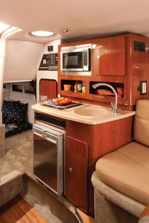 l_crownline-boats-cruiser-cr-264cr-feature-141