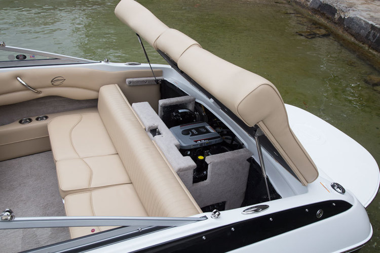 l_crownline-boats-super-sport-ss-18ss-feature-071
