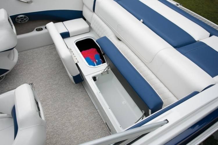 l_crownline-boats-super-sport-ss-215ss-feature-05-1024x6831