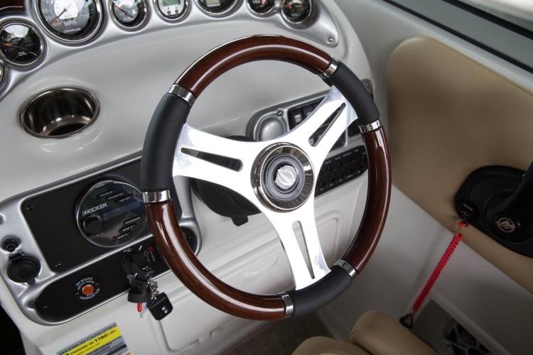 l_executive-wood-wheel1