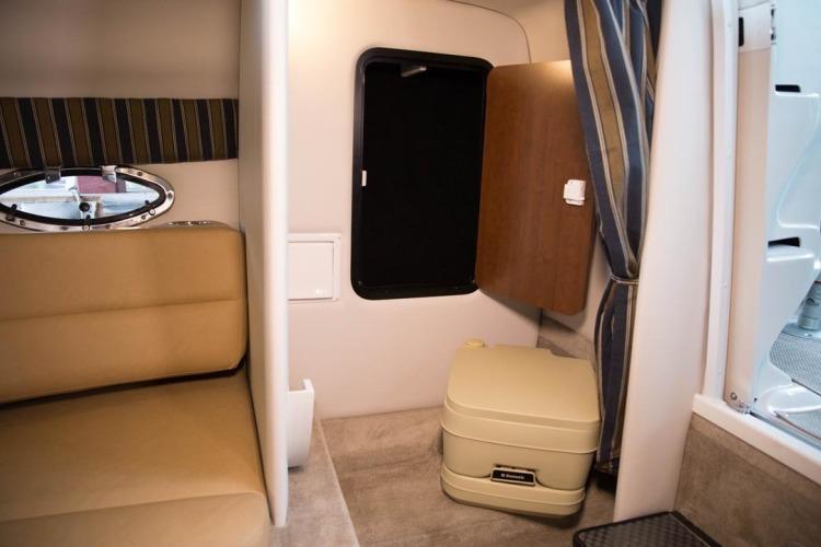l_head-compartment1