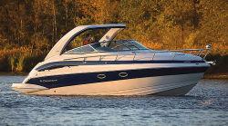 2011 - Crownline Boats - 330 CR