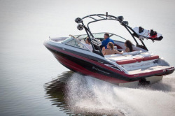2016 - Crownline Boats - 215 SS