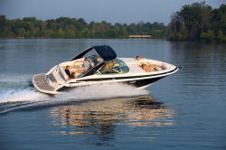 2016 - Crownline Boats - 335 SS