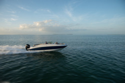 2016 - Crownline Boats - E6 XS