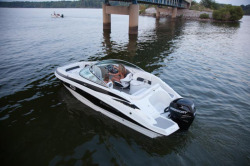 2016 - Crownline Boats - E2 XS