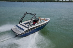 2017 - Crownline Boats - 225 SS