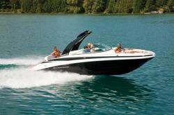 2017 - Crownline Boats - E6
