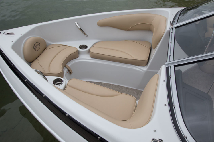 l_crownline-boats-super-sport-ss-18ss-feature-01-1024x683