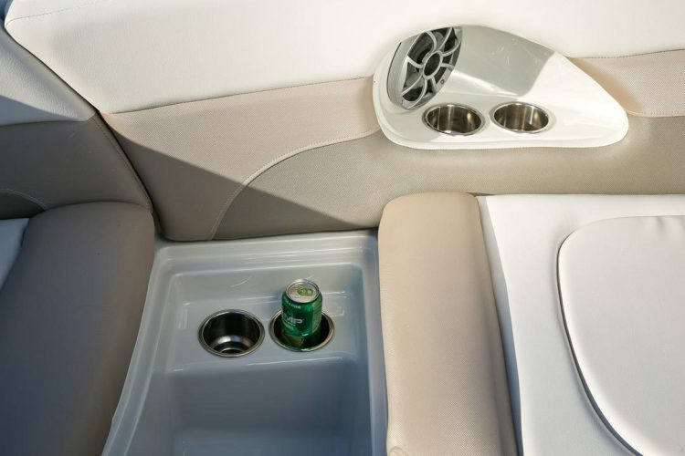 l_crownline-boats-super-sport-ss-335ss-feature-06