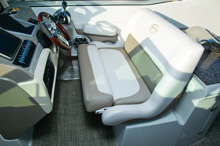 l_crownline-boats-super-sport-ss-335ss-feature-09