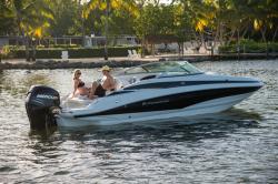 2018 - Crownline Boats - E24 XS