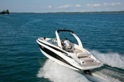 2018 - Crownline Boats - 275 SS