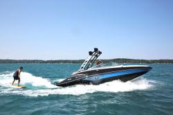 2019 - Crownline Boats - E 235 Surf