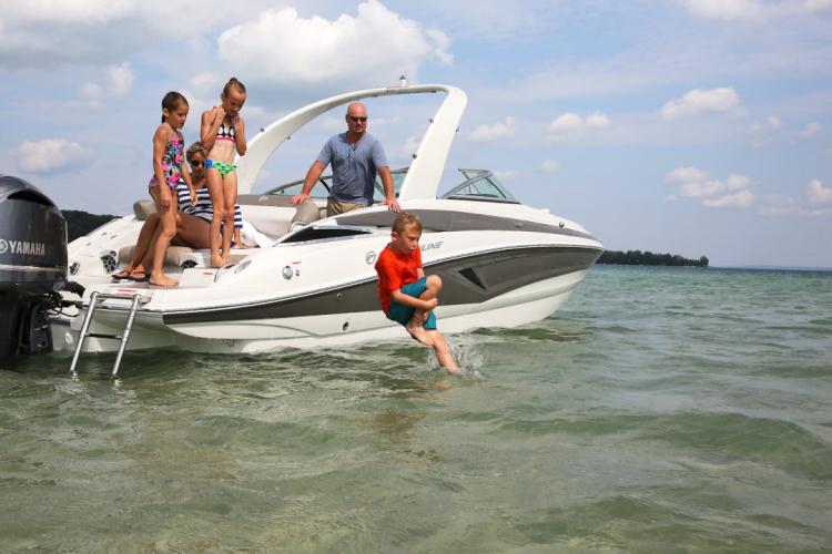 l_crownline-boats-cross-sport-xs-e275xs-04