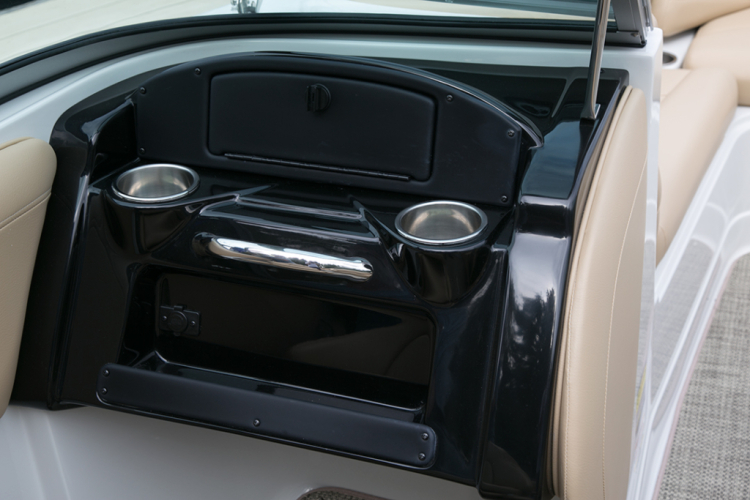 l_crownline-boats-super-sport-ss-205ss-feature-10-1024x683