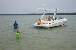2020 - Crownline Boats - 235 SS