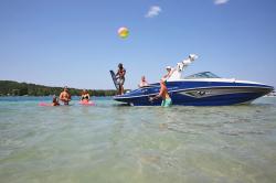 2020 - Crownline Boats - E 275 Surf