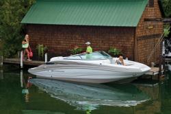 2020 - Crownline Boats - E 225
