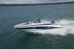 2020 - Crownline Boats - E 255