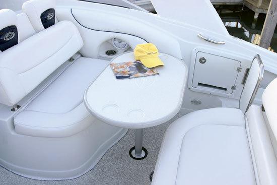 l_Crownline_Boats_-_315_SCR_2007_AI-242067_II-11348397