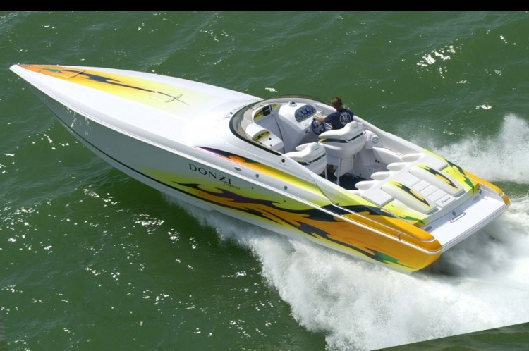 Research Donzi Marine on iboats com