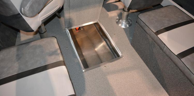 l_dw_22_silverwing_cabin_floor_storage