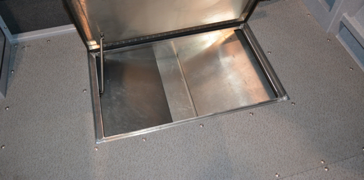 l_dw_22_silverwing_insulated_in-floor_fish_box