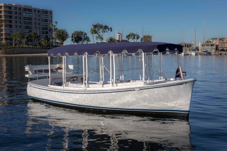 l_duffy-electric-boat-22-sun-cruiser-exterior-1