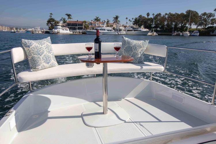 l_duffy-electric-boat-22-sun-cruiser-interior-6
