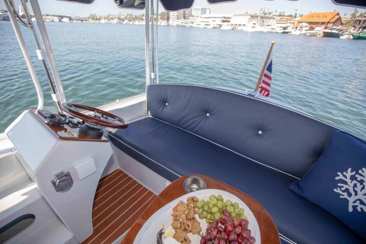 l_duffy-electric-boats-18-snug-harbor-interior-15