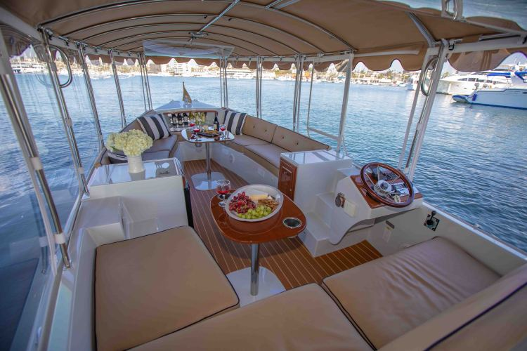 l_duffy-electric-boats-22-bay-island-interior-2