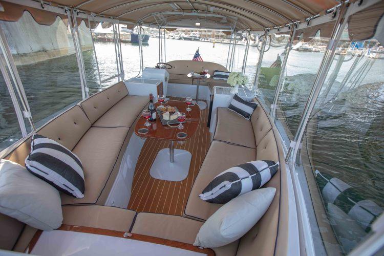 l_duffy-electric-boats-22-bay-island-interior-3