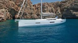 2015 - Dufour Yachts - 560
