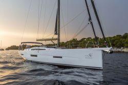 2017 - Dufour Yachts - 56