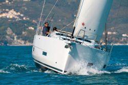 2020 - Dufour Yachts - Dufour 390