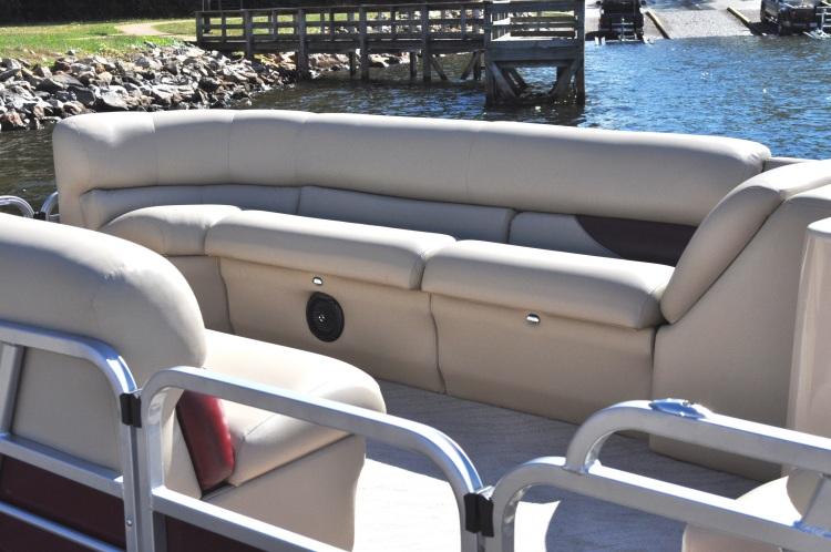 l_250-admiral-front-seats-dsc_2