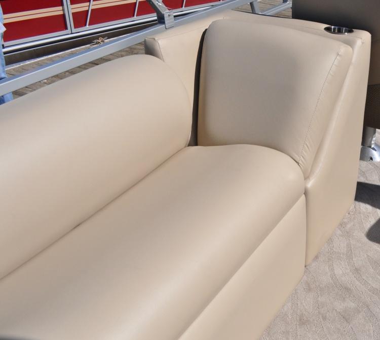 l_250-admiral-rear-seats-dsc_2