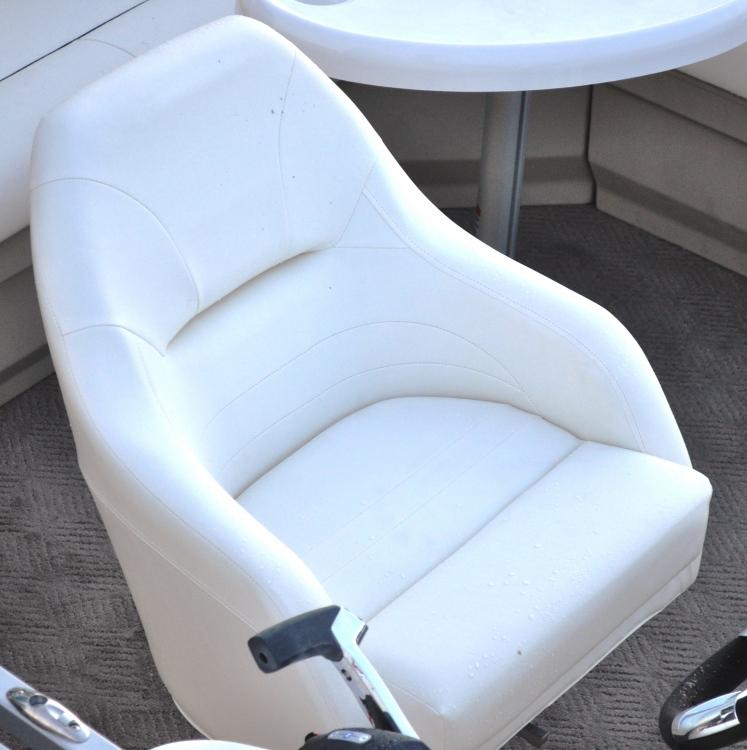 l_bentley-captains-chair2