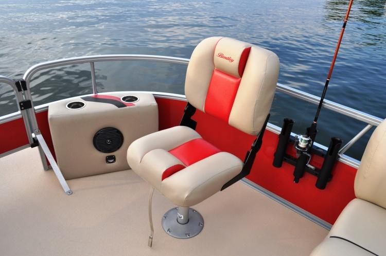 l_fishing-chair-rod-holder-vinyl-floor-dsc_1