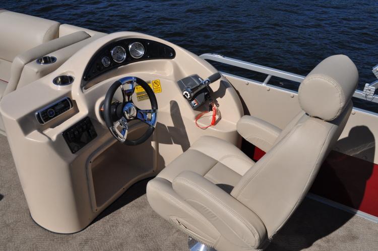 l_standard-captain-chair-dsc_1147
