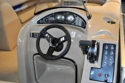 2018 - Encore Boat Builders - 220 Elite Lounger