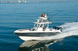 2014 - Everglades Boats - 355T