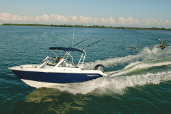 2013 - Everglades Boats - 230DC