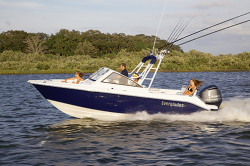 2014 - Everglades Boats - 230DC