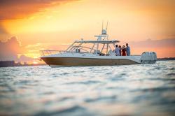 2018 - Everglades Boats - 360LXC