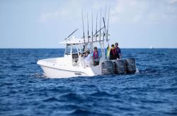 2018 - Everglades Boats - 355CC