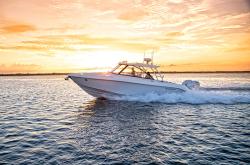 2020 - Everglades Boats - 340DC