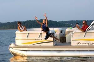 l_Fisher_Boats_-_Freedom_220_DLX_2007_AI-255466_II-11562931